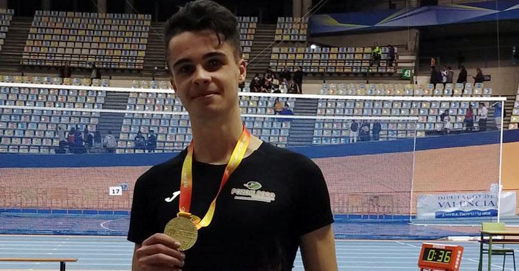 José Fernández Yusta con su medalla de oro