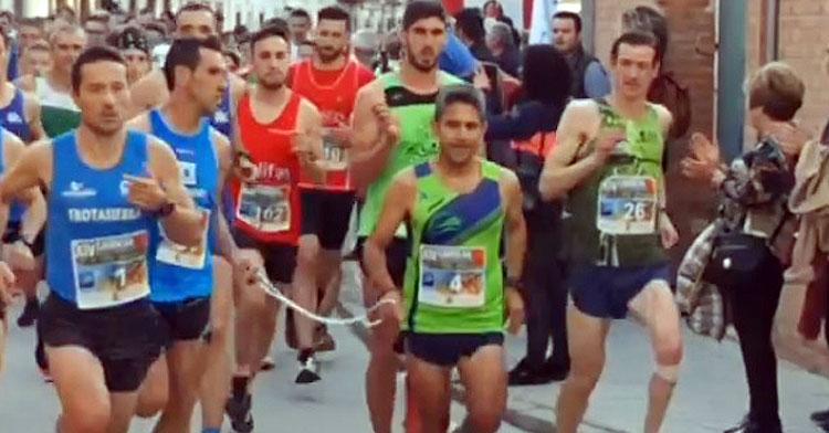 Los primeros intantes de la carrera en Villafranca. Imagen: Francisco Montemayor / @CiudadanoMonty