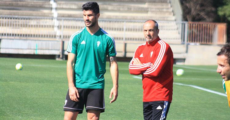 Willy junto a Sabas en la Ciudad Deportiva.