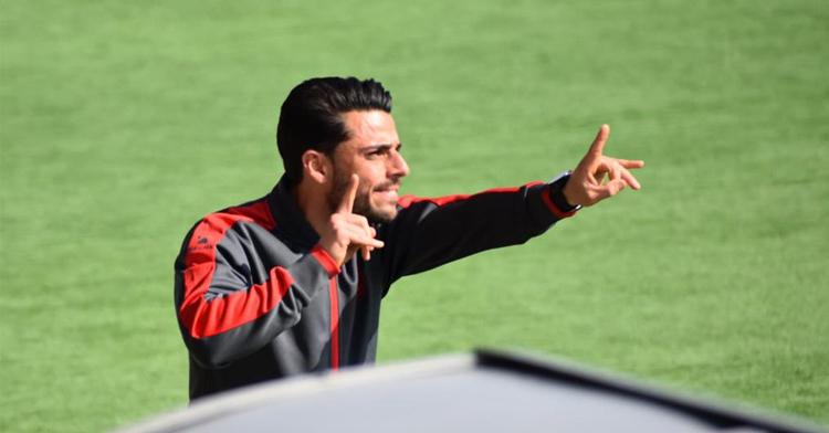 Jorge Romero, entrenador del Alcorcón B, dando indicaciones. Foto: AD Alcorcón