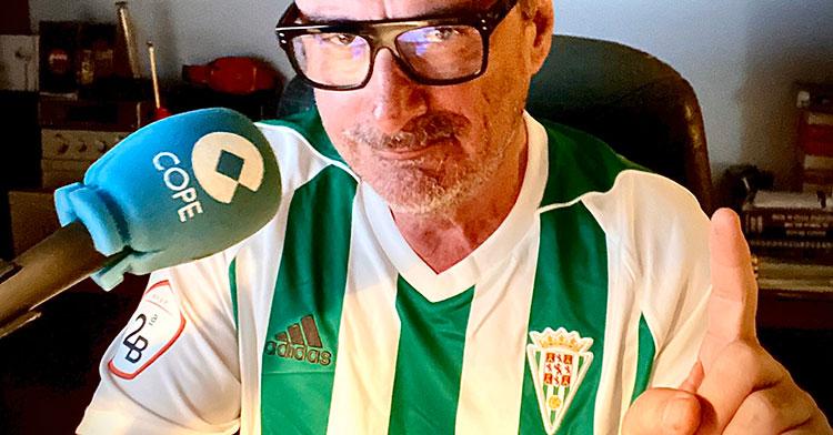 Carlos Herrera luciendo este martes 7 de abril la elástica del Córdoba CF.
