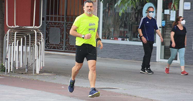 El periodista Antonio Postigo volviendo a su rutina diaria de runner tras más de 45 días sin practicar uno de sus dos deportes favoritos.