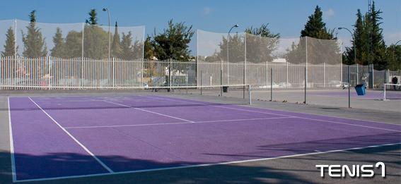 Una imagen de una de las pistas de tenis en Lucena