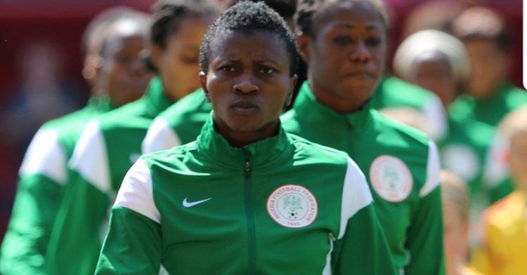 Evelyn Nwabouku con la selección nigeriana