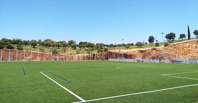 Imagen del campo de céspede artificial de la Asomadilla que gestiona el Deportivo Córdoba.