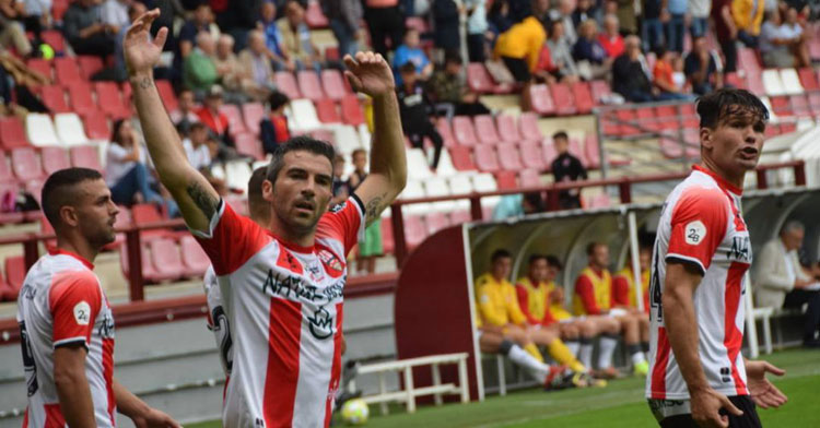 Los jugadores de la UD Logroñés festejando un tanto. Foto: Actualidadriojabaja.com