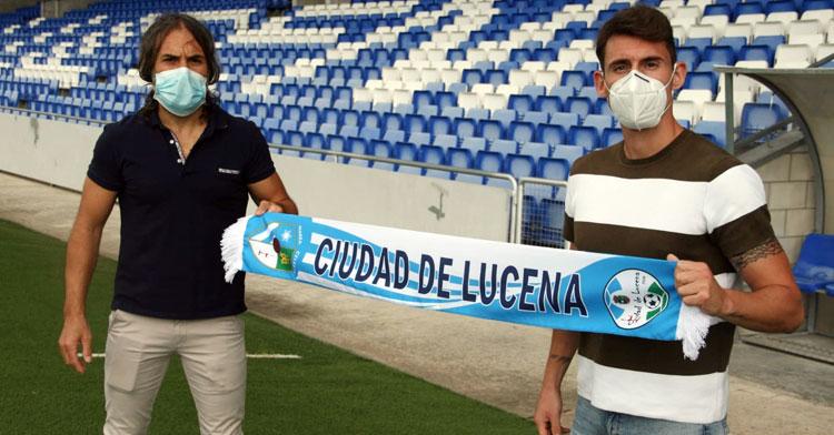 Marcos Pérez junto al director deportivo, Juan