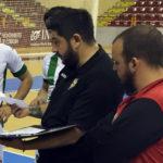 Josan González dando instrucciones a sus jugadores
