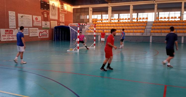 Los jugadores rojillos en uno de sus entrenamientos en el José Pérez Pozuelo. Foto: @bujalancefs