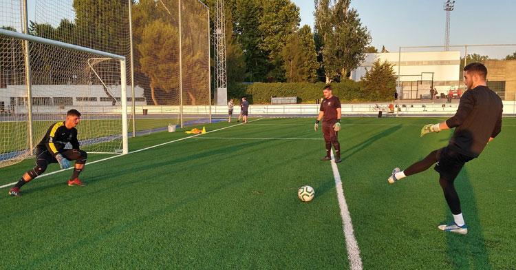 El Montilla CF en pleno entrenamiento para preparar el play-off. Foto: Montilla CF