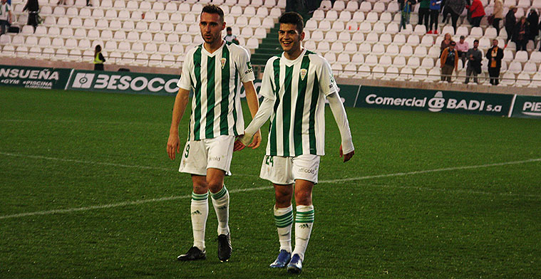 Fran Gómez sonriente a la conclusión del partido ganado ante el Yeclano que supuso su debut en El Arcángel a principios de febrero.
