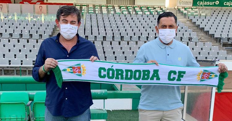 González Calvo y Montenegro sobre el césped de El Arcángel