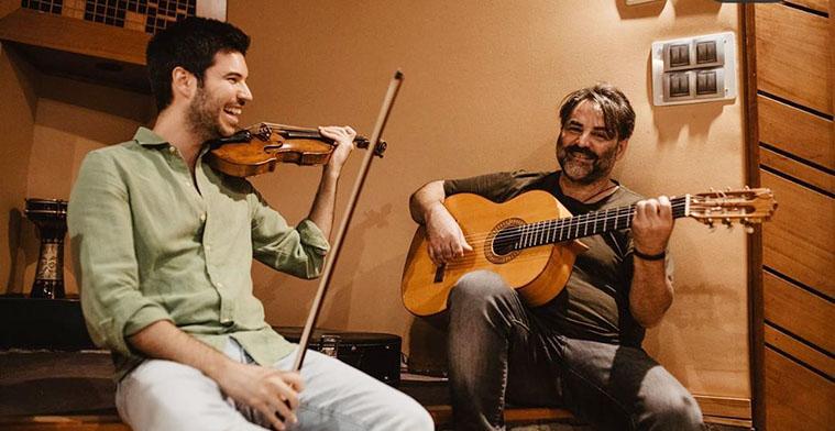 Paco Montalvo y Queco durante los ensayos de la grabación de la adaptación al himno del Córdoba CF para el spot de la campaña 2020-21.