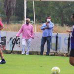 Alejandro Blanco, al fondo de la imagen junto a Javier González Calvo, con Miguel De la Cueva y Carlos Valverde en pleno entrenamiento en la Ciudad Deportiva.