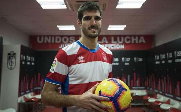 Bernardo Cruz aún está pendiente de rescindir con el Granada.