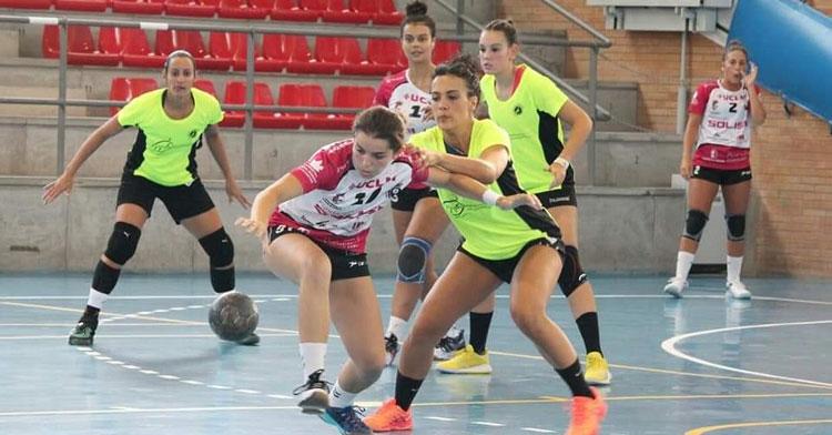 Aroa Montoro en plena actividad defensiva. Foto: Marga Tarascón