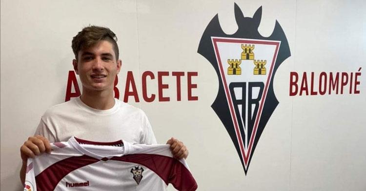 David García tras su fichaje por el Albacete. Foto: CD Pozoblanco