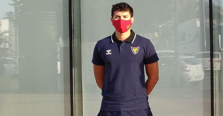 Ismael Corraliza esperando al inicio de los test físicos y médicos en Murcia. Foto: UCAM Murcia
