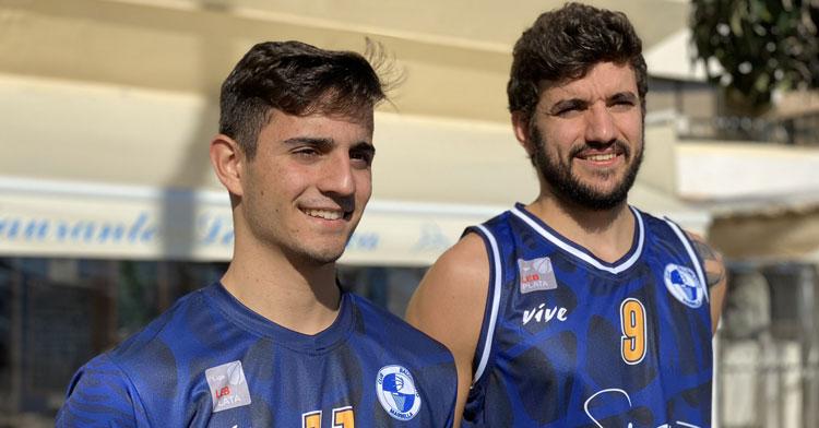 Lucas Muñoz, a la izquierda, en un acto con su club. Foto: CB Marbella
