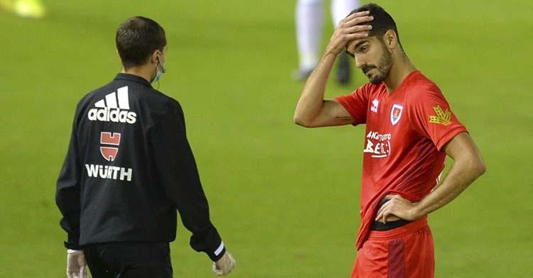 Bernardo Cruz en el último partido de la temporada con el Numancia tras consumar el descenso con los sorianos.