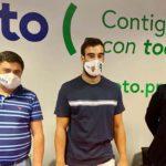 El meta Prieto en las instalaciones de Coto junto a su gerente y el presidente del Córdoba Patrimonio de la Humanidad.