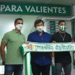Javier González Calvo, a principios de semana, durante la presentación de Darren Sidoel junto a Juanito y Adrián Fernández.