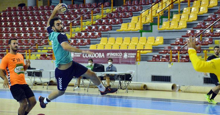Esteban López culminando un contragolpe. Foto: CBM