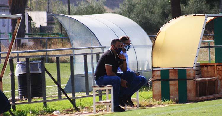 El técnico del filial, Germán Crespo, junto al coordinador de cantera, David Ortega, en la Ciudad Deportiva.