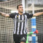 El delantero jienense del Cartagena, Elady Zorrilla, celebrando uno de sus muchos goles marcados en los últimos años con los Efesé.