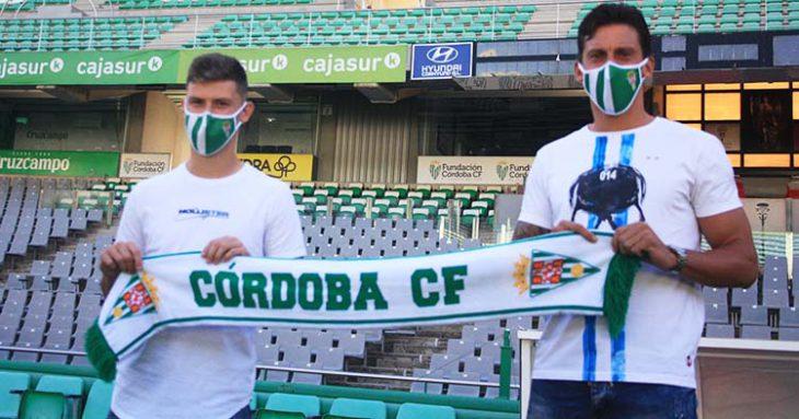 Manu Farrando (derecha) y Berto Espeso (izquierda) durante su presentación como jugadores del Córdoba CF.
