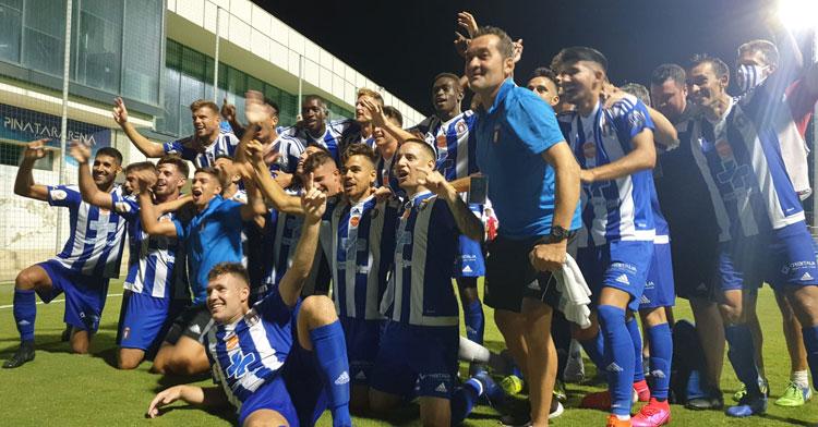 Los jugadores del Lorca Deportiva celebrando su ascenso en julio. Foto: El-Lorquino.com