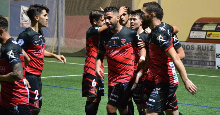 Los jugadores del Salerm celebran uno de los tantos. Foto: @SalermPG