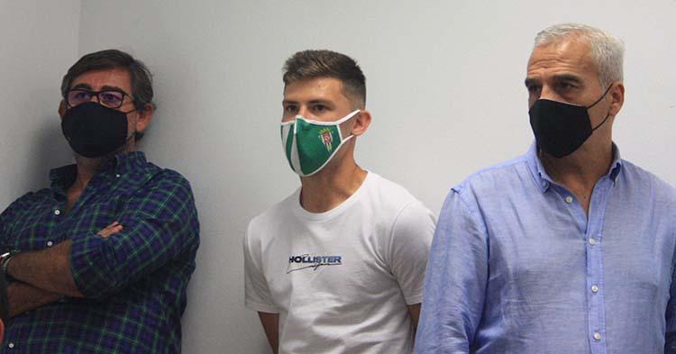 Javier González Calvo y Miguel Valenzuela esta tarde en la sala de prensa de El Arcángel.
