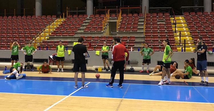 El Cajasur Deportivo en uno de sus entrenamientos en Vista Alegre