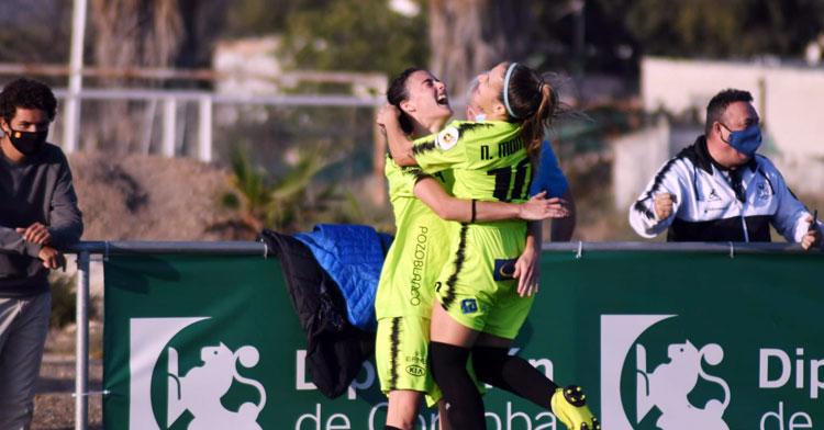 Natalia Montilla´y María Marín celebran el 1-2 definitivo. Foto: Pozoalbense Femenino