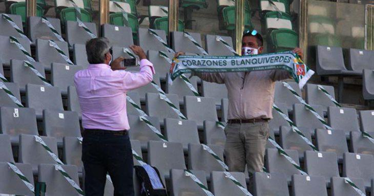 Aficionados del Córdoba el domingo en El Arcángel. Autor: Paco Jiménez