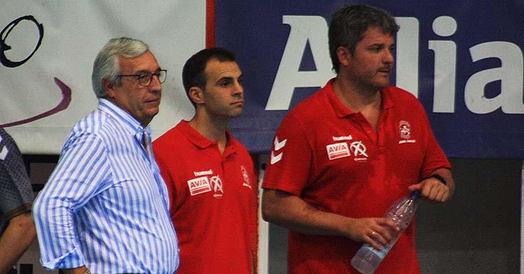 Miguel Ángel Moriana, entre Mariano Jiménez y Paco Bustos, tendrá la responsabilidad de dirigir al equipo en los dos próximos partidos.