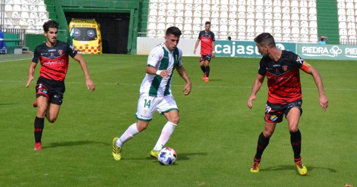 Córdoba B y Salerm, en posiciones muy diferentes en la tabla, buscarán ganar ante La Palma y Utrera. Autor: Javier Olivar