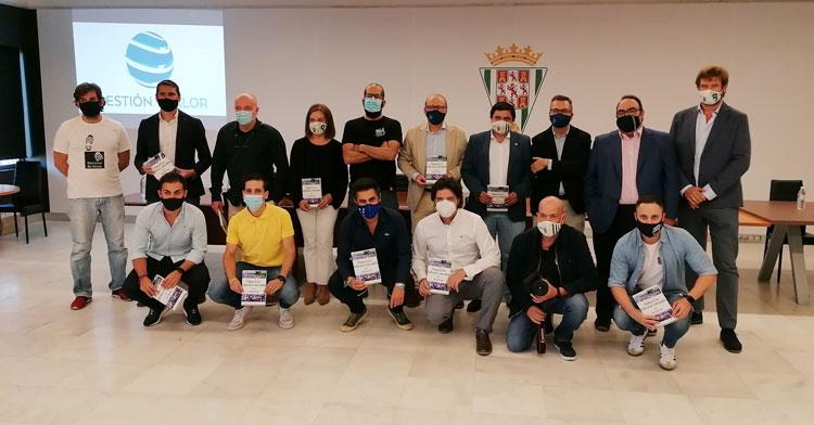 La foto de familia en la presentación. Foto: Radio Marca Córdoba