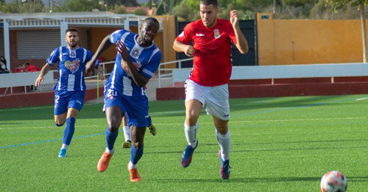 Una imagen del último partido del Lorca, ante el Jove Español de San Vicente. Foto: Lorca Deportiva
