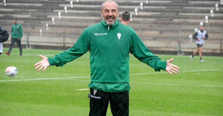 Juan Sabas con gesto curioso en un entrenamiento. Foto: CCF