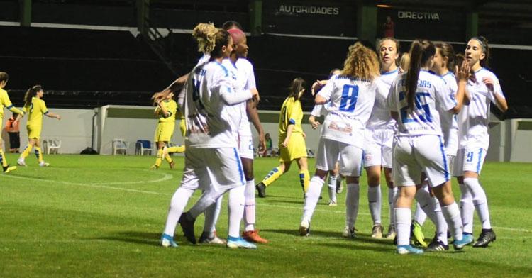 Las jugadoras del Pozoalbense celebrando uno de sus tantos a La Solana. Foto: Pozoalbense Femenino