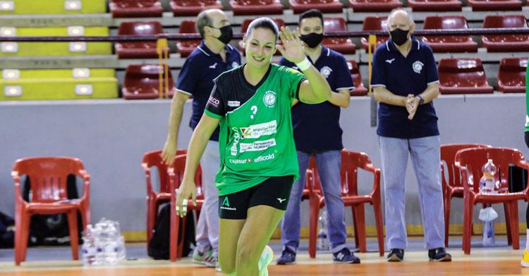Asun Batista, jugadora de Adesal. Foto: Fran Pérez / Balonmano Adesal
