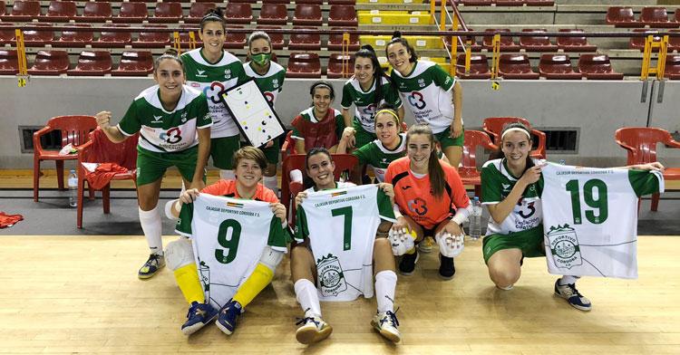 La emotiva foto de celebración del equipo tras golear al Cádiz