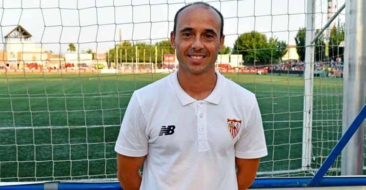 Dimas Carrasco en su última etepa vinculado al Sevilla FC en la campaña 2017-18 como técnico de su primer equipo juvenil.