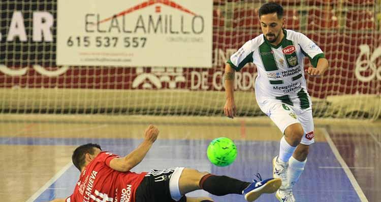 Jesulito, que marcó el segundo tanto, superando a un jugador del Zaragoza. Foto: @Cordobafutsal