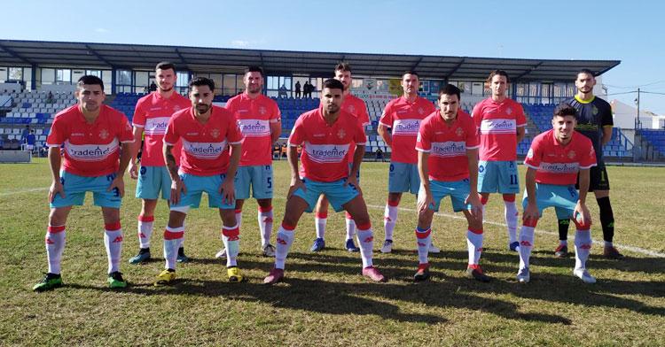 El equipo inicial con el que el Atlético Espeleño afrontó su duelo contra el Écija. Foto: Atlético Espeleño