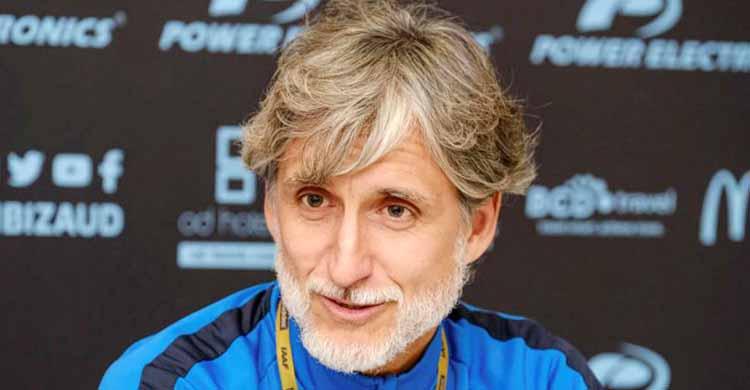 Pablo Alfaro en su etapa como técnico del Ibiza.