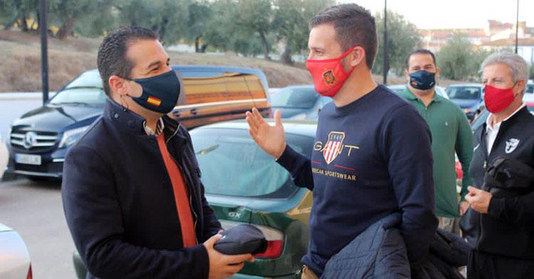 Pablo Lozano, a la izquierda y junto a Martín Torralbo hace unos días en Bujalance. Foto: @martintorralbo