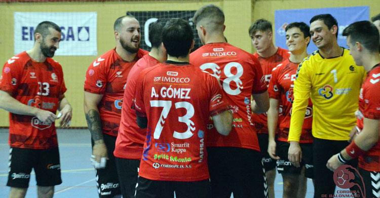 Los jugadores del Cajasur en los momentos previos al choque ante Zamora. Foto: CBM